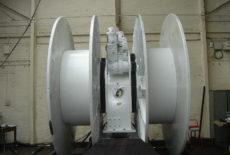 single pedestal umbilical winch